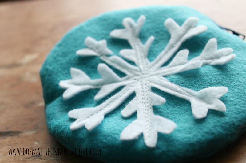 snow flake pouch 3