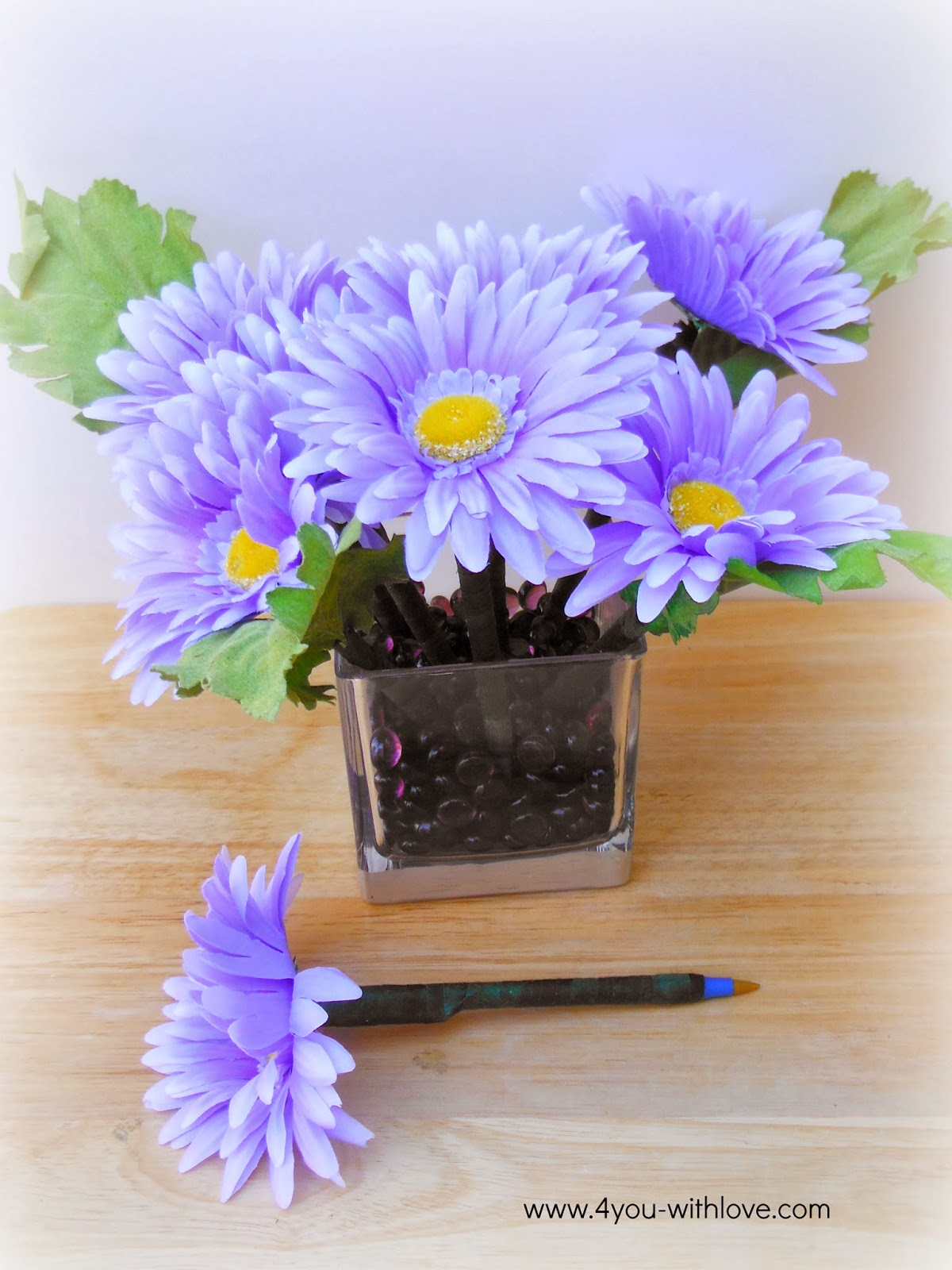 flower pen bouquet watermark