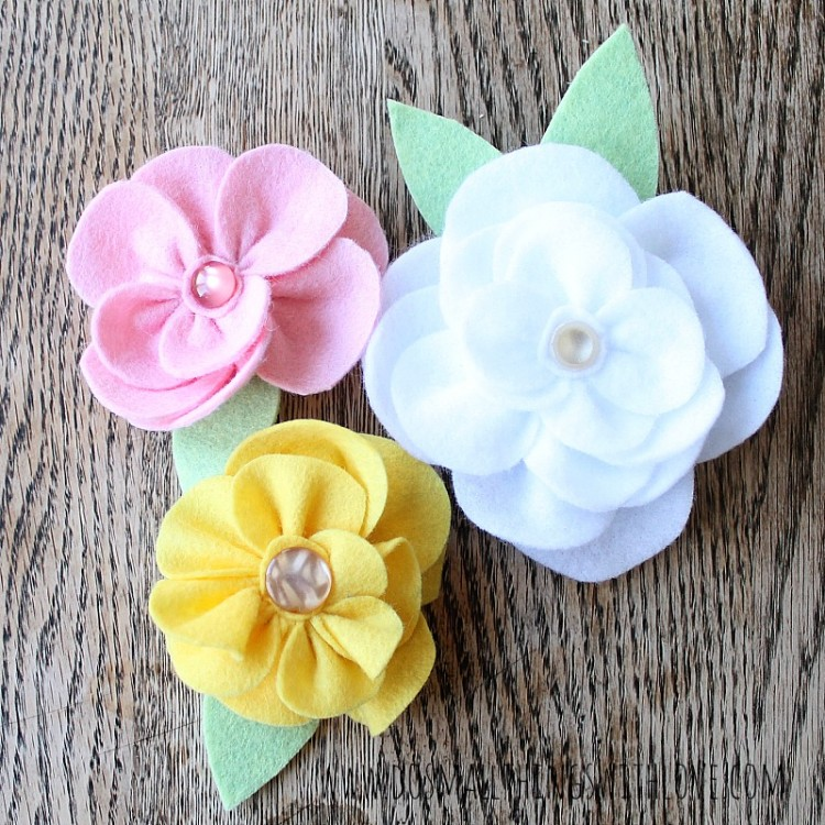 gather felt flower pastel