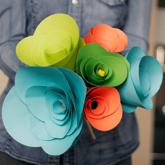 how-to-make-paper-flowers-tutorial