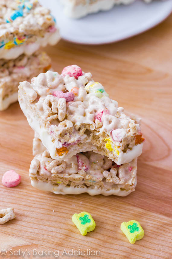 White-Chocolate-Lucky-Charms-Treats-7