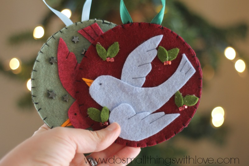 bird-in-flight-felt-Christmas-ornament-FREE-TEMPLATE