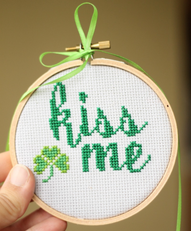 kiss me a cross stitch pattern for st. patrick's day