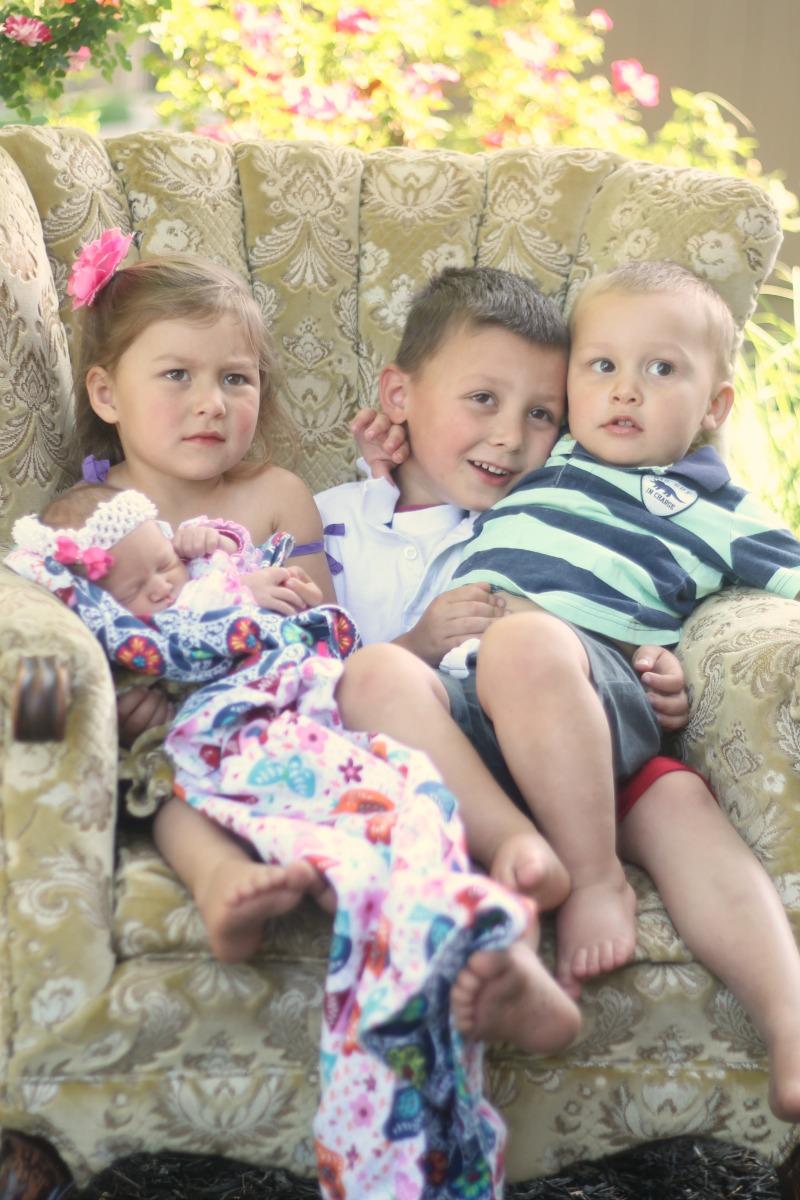 4 kids one chair